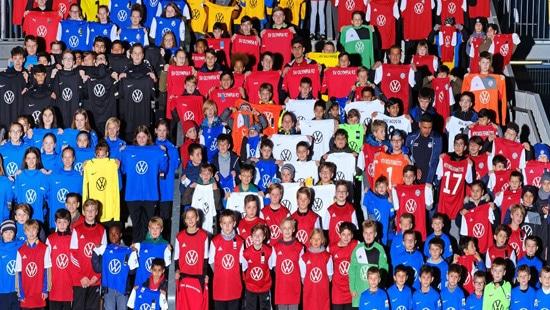 Voets-Gruppe sponsert Fußballtrikots